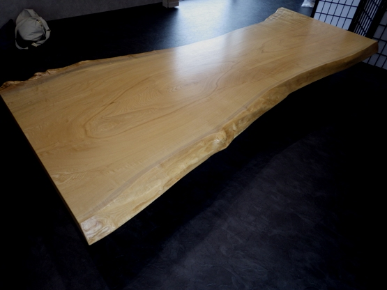 テーブルを反対の方向から