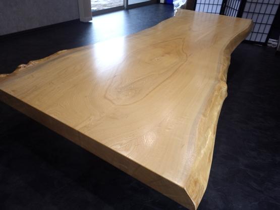 木口側から見ると板の厚みがよくわかります。