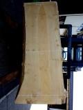 銀杏 長さ2030ミリ×幅1060ミリ×厚さ65ミリ 耳付きの板です。座卓の天板に最適です。この商品は送料は別途とさせていただきます。お問合せください。