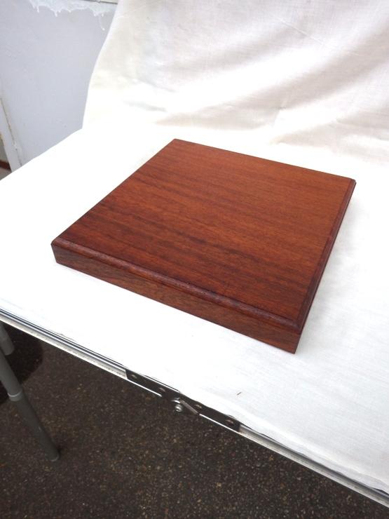 花梨(カリン) 325×325×45 自然塗料仕上げです。