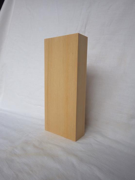 台湾桧 表札 高さ210ミリ×幅89ミリ×厚さ35ミリ