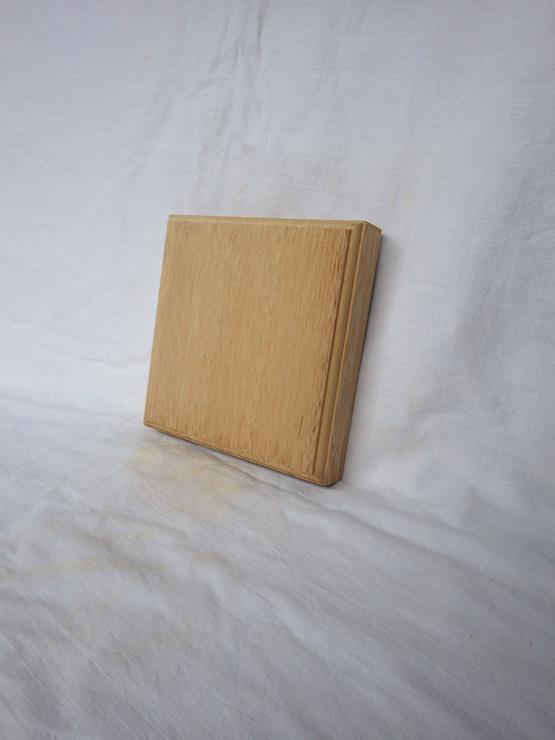 ラワン ネームプレート(表札) 高さ150ミリ×幅150ミリ×厚さ30ミリ