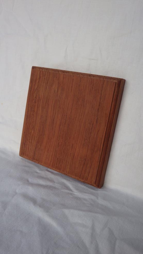 ブビンガ ネームプレート(表札) 高さ150ミリ×幅150ミリ×厚さ17ミリ