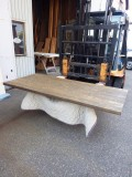 杉 長さ1820ミリ×幅800ミリ×厚さ42ミリ テーブル天板です。7枚の杉を接(は)ぎ合わせてあります。濃色に着色し自然塗料で仕上げてあります。この商品は送料は別途とさせていただきます。お問合せください。