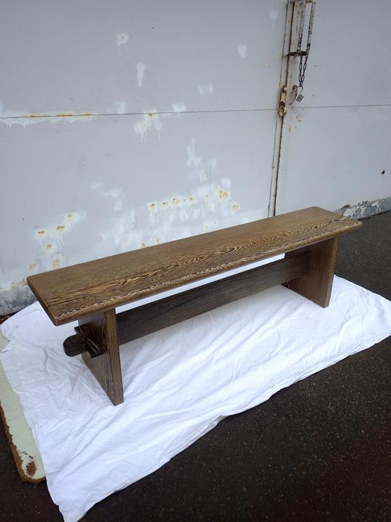 ウェンジュ ベンチ 長さ1485ミリ×幅295ミリ×高さ425ミリ 天板厚さ35ミリ 完成品のベンチです。分解することはできません。この商品は送料は別途とさせていただきます。お問合せください。