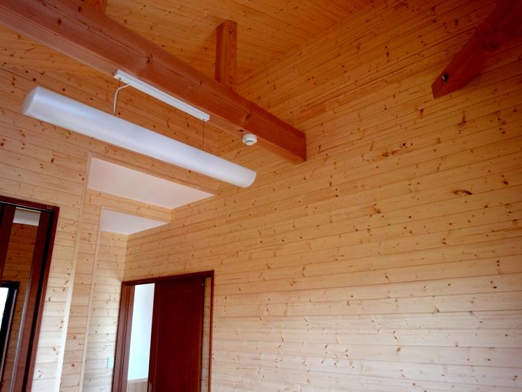 個室の壁、天井